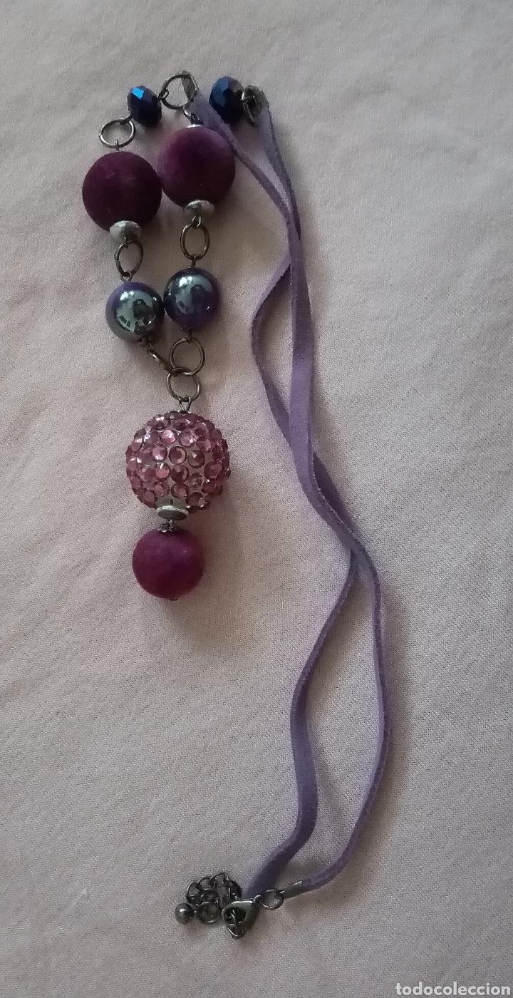 Artesanía: Lindo collar morado con cuentas en diferentes tonalidades, tamaños y formas combinado con caucho. - Foto 3 - 215356113