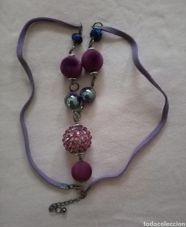 Artesanía: Lindo collar morado con cuentas en diferentes tonalidades, tamaños y formas combinado con caucho. - Foto 5 - 215356113