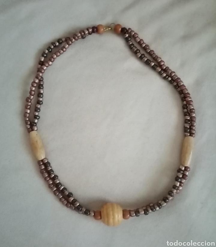 Artesanía: Lindo collar, gargantilla. Combina cuentas de diferentes tonos color marrón metalizado y madera - Foto 2 - 215816495