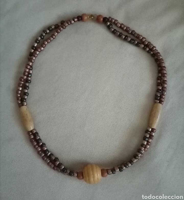Artesanía: Lindo collar, gargantilla. Combina cuentas de diferentes tonos color marrón metalizado y madera - Foto 3 - 215816495
