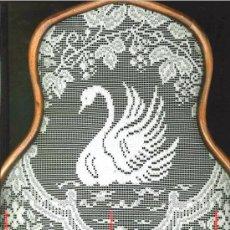 Artesanía: PRECIOSO CUADRO DE CISNE ENMARCADO EN MADERA. Lote 28253832