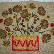 Kunsthandwerk - antiguo bordado - 29912761