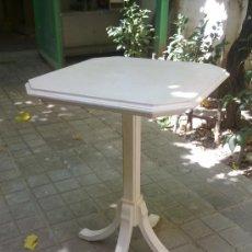 Artesanía: VELADOR DE MADERA PINTADA EN BLANCO VAINILLA. Lote 32345580