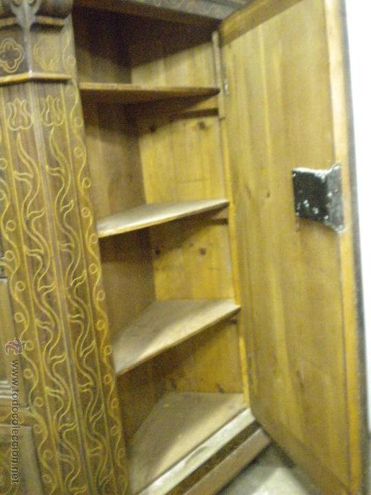 Artesanía: Comoda de sacristia, Replica.Chapada en nogal y taraceada en boj. Medida 64x170 cm, altura 114 - Foto 9 - 46694507