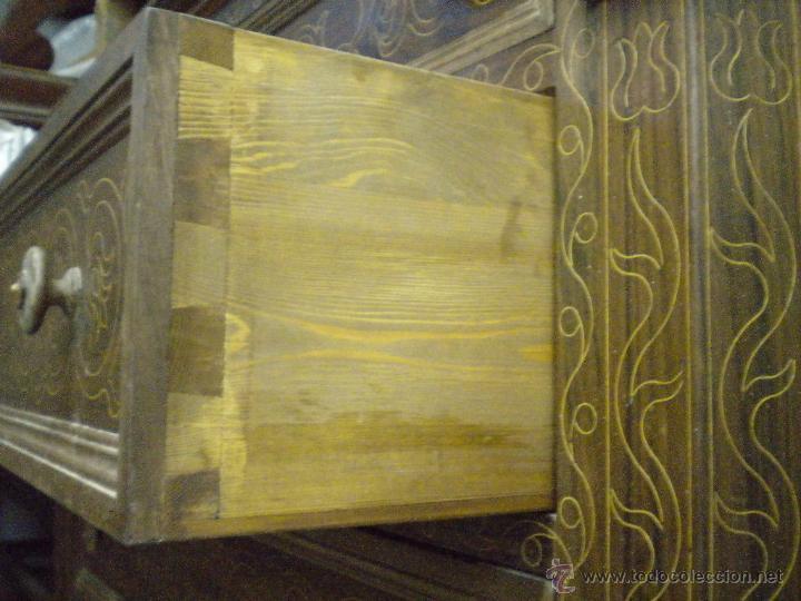 Artesanía: Comoda de sacristia, Replica.Chapada en nogal y taraceada en boj. Medida 64x170 cm, altura 114 - Foto 14 - 46694507