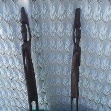 Artesanía: 2 FIGURAS AFRICANAS DE MADERA. Lote 170966233
