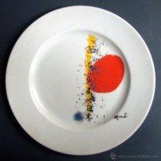Artesanía: PLATO PORCELANA 32 CM JOAN MIRÓ. Lote 49880940