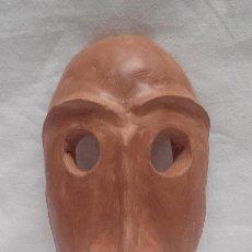 Artesanía: MASCARA DE BARRO COCIDO ARTESANAL . Lote 50483056