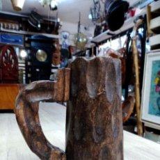 Artesanía: JARRA DE MADERA TALLADA CON ASA. Lote 51719945