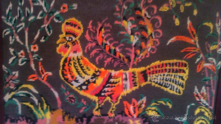 Artesanía: Precioso cuadro hecho en punto de cruz motivo gallo colores muy vivos. PRINCIPIOS SIGLO XX - Foto 3 - 54017258