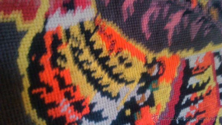 Artesanía: Precioso cuadro hecho en punto de cruz motivo gallo colores muy vivos. PRINCIPIOS SIGLO XX - Foto 6 - 54017258