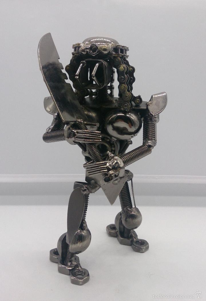 Original figura de predator en acero inoxidable comprar - Figuras de acero inoxidable ...