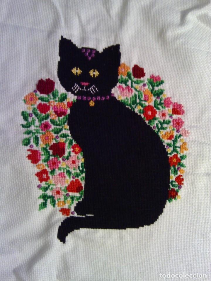 Cuadro bordado a punto de cruz gato negro comprar - El gato negro decoracion ...