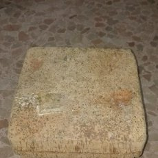 Artesanía: TABURETE DE CORCHO. Lote 75082127