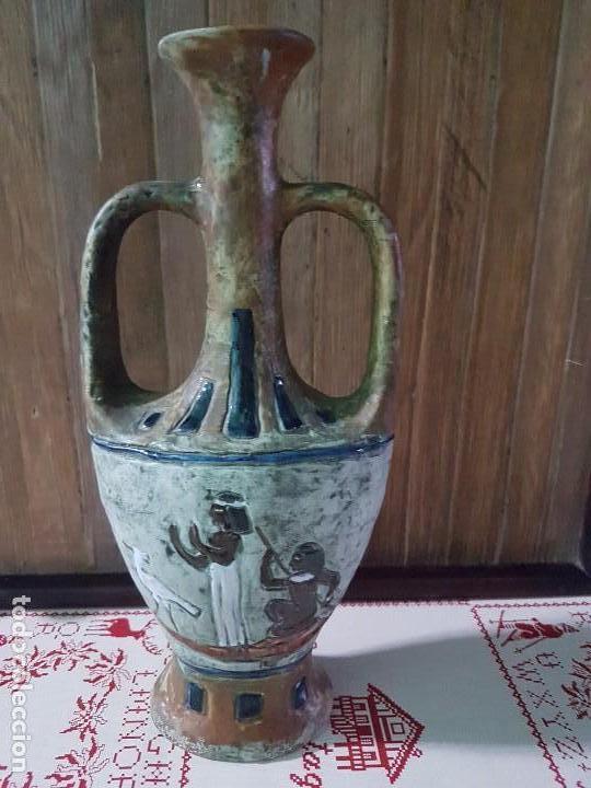 FIGURA JARRÓN DE CERAMICA CON GRABACIONES O DIBUJOS EGIPCIOS (Artesanía - Hogar y Decoración)