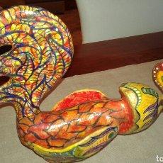 Artesanía: GALLO HECHO Y PINTADO A MANO. Lote 80505585