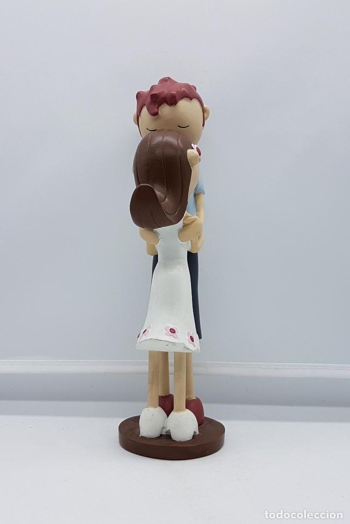 Artesanía: Bella figura de enamorados estilo tarta nupcial vintage. - Foto 4 - 83988616