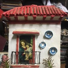 Artesanía: ANTIGUA CASA ANDALUZA REALIZADA EN TERRACOTA CON VIRGEN - RELIGIOSO - MEDIDA 19X15,5 CM. Lote 88625300