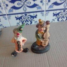 Artesanía: LOTE DE DOS PAYASOS DE BARRO. Lote 95362824