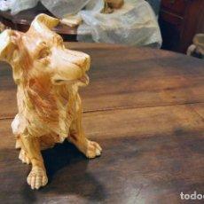 Artesanía: TALLA EN MADERA DE PINO , FIGURA DE PERRO. Lote 96535135