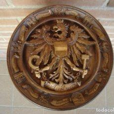 Artesanía: PLATO DECORATIVO PARA COLGAR. AUSTRIA.. Lote 104860907