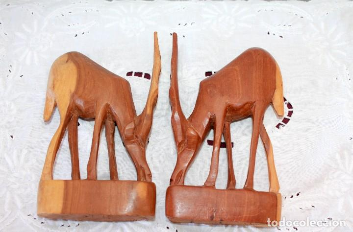 Artesanía: PAREJA DE ANTILOPES TALLADOS EN MADERA - Foto 6 - 116218223