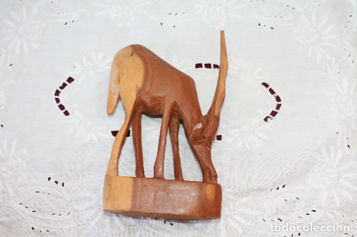 Artesanía: PAREJA DE ANTILOPES TALLADOS EN MADERA - Foto 9 - 116218223