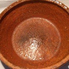 Artesanía: MAGNIFICA CAZUELA DE BARRO DE PERERUELA, ZAMORA. Lote 116492766