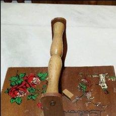 Kunsthandwerk - Costurero de madera. - 116726943