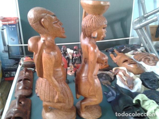 Artesanía: PAREJA TALLA MADERA AFRICANA CON INCRUSTACIONES EN HUESO MIDE 63 CM CADA UNA 1985 GRANDES - Foto 12 - 121049639