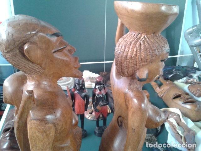 Artesanía: PAREJA TALLA MADERA AFRICANA CON INCRUSTACIONES EN HUESO MIDE 63 CM CADA UNA 1985 GRANDES - Foto 13 - 121049639