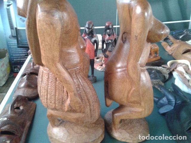 Artesanía: PAREJA TALLA MADERA AFRICANA CON INCRUSTACIONES EN HUESO MIDE 63 CM CADA UNA 1985 GRANDES - Foto 14 - 121049639
