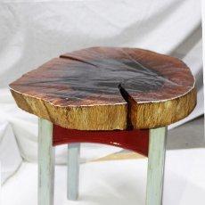 Artesanía: MESA ARTESANAL REALIZADA CON TRONCO DE ENCINA CARAMELIZADO. OAK TREE TRUNK TABLE. Lote 121722559