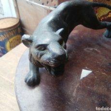 Artesanía: ESCRIBANÍA ANIMAL BRONCE Y MADERA..ANTIGUA. Lote 124565624