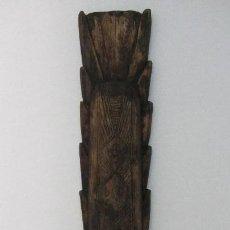 Artesanía: MASCARA AFRICANA DE MADERA. Lote 174186082