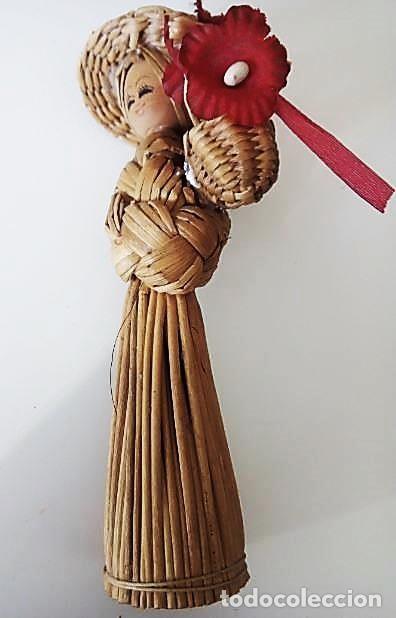 PEQUEÑA FIGURA ARTESANÍA DE MIMBRE (Artesanía - Hogar y Decoración)
