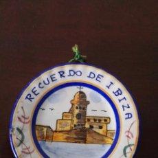 Artesanía: PLATO DE CERÀMICA RECUERDO DE IBIZA. Lote 139161010
