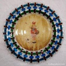 Artesanía: PLATO DECORATIVO DE VIDRIO DE 32,5 CM DE DIÁMETRO.. Lote 141871858