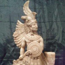 Artesanía: ESCULTURA, FIGURA GUERRERO AZTECA, MAYA. GRANDE Y MUY BONITA.. Lote 142863024