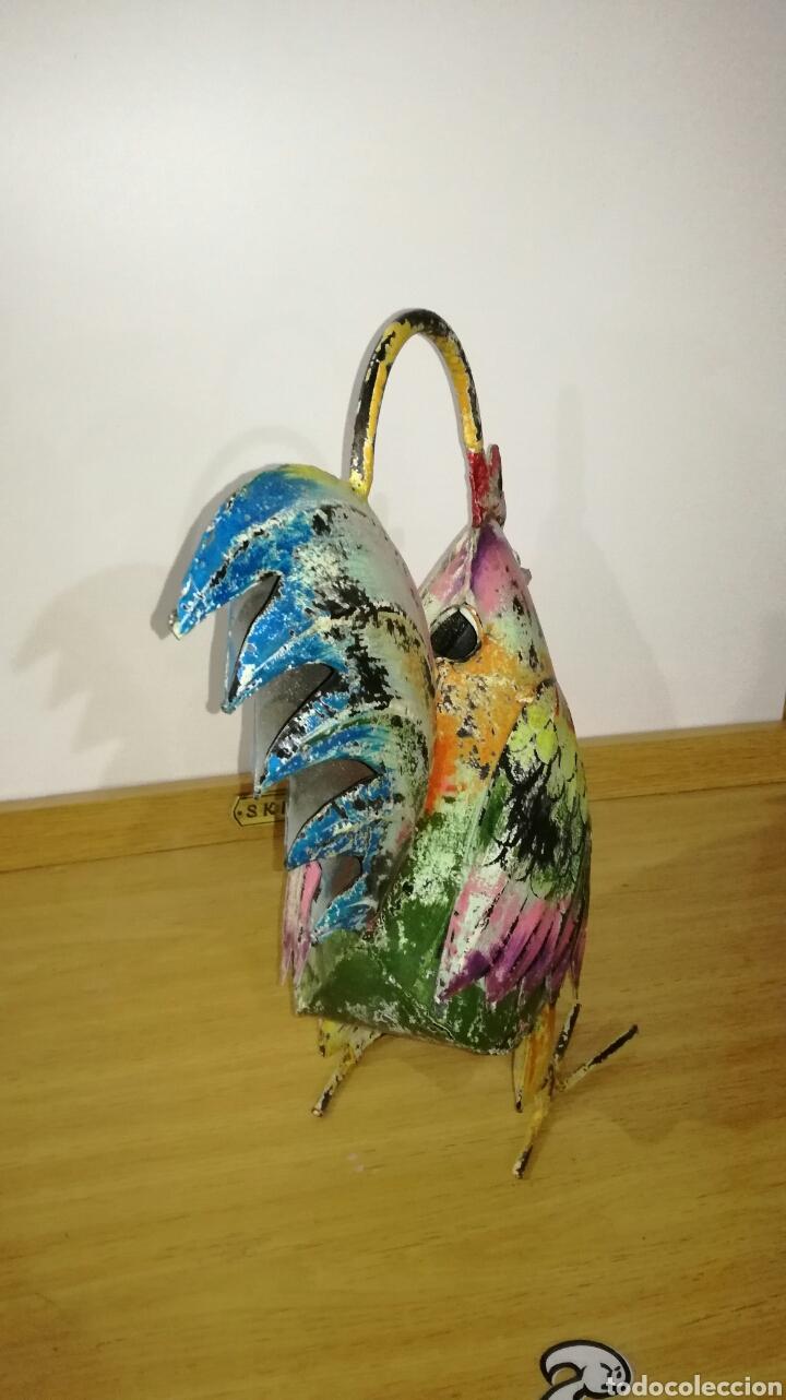 Artesanía: Bonito gallo de chapa vieja pintado - Foto 3 - 144130653