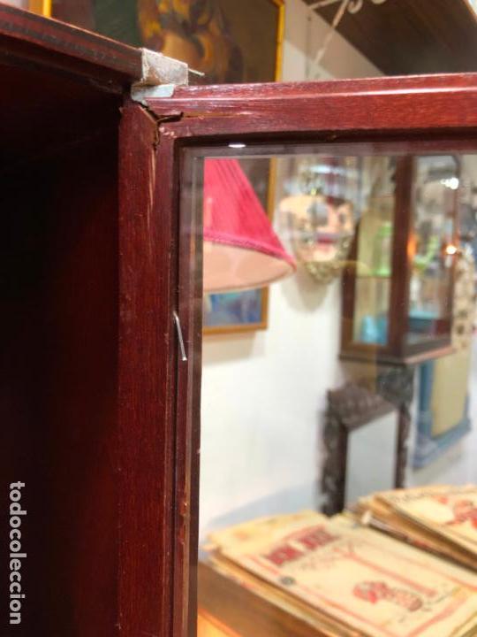 Artesanía: BONITA VITRINA MUEBLE BAR CON MEDIDA 50X19X35,5 CM - DISPONES DE DOS HUECOS PARA BOTELLA Y CATAVINOS - Foto 12 - 146634182