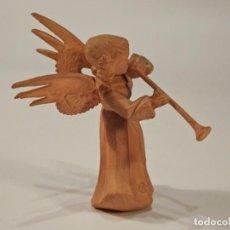 Artesanía: ANGEL MINIATURA TALLADO A MANO 4,6 CM VINTAGE. Lote 147216598