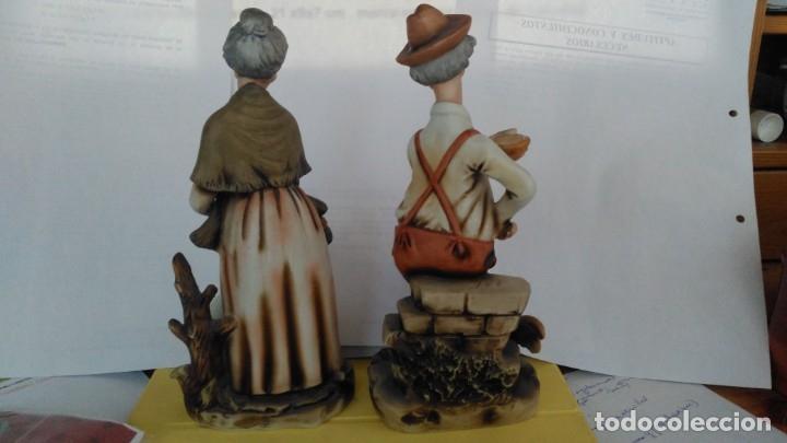 Artesanía: Ceramica, pareja de ancianos, 21 x 9 x 7 cm. Vintage. Marca en base Japan. de los años 1960.Nuevas. - Foto 3 - 154988254