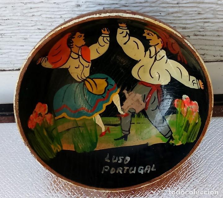 Artesanía: Cuenco antiguo, en madera, con un par de bailarines pintados en el interior. - Foto 3 - 155027742