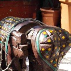 Artesanía: ELEFANTE MADERA -TALLADO A MANO. Lote 156718242