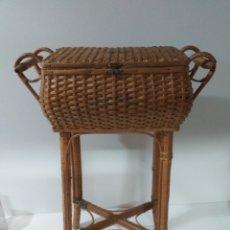 Kunsthandwerk - Costurero Vintage de mimbre. - 159778857