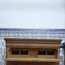 Artesanía: CÓMODA BURÓ / MADERA NATURAL, CAOBA, INTERIOR PINO / ARTESANAL.. Lote 160507630