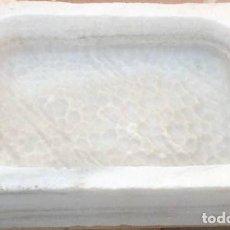 Artesanía: FREGADERO DE UN SENO DE MÁRMOL BLANCO MACAEL. 65 X 49 X 14 CM.. Lote 168297064