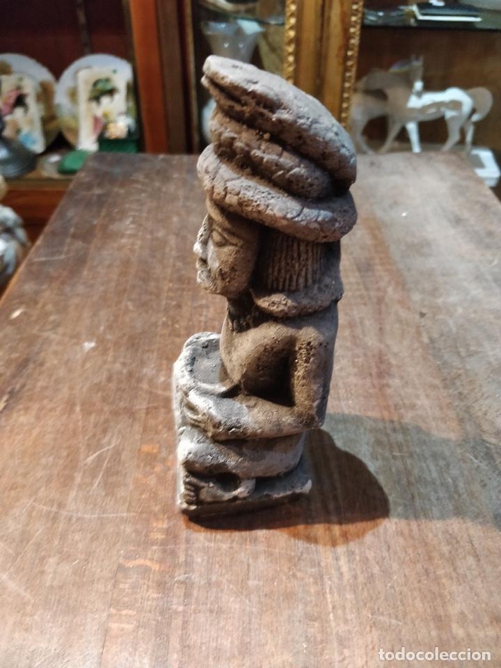 Artesanía: Figura estilo arte étnico símil piedra - 17cm de alto x 6cm ancho - Foto 2 - 168443696