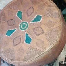 Artesanía: COJIN PUF DE CUERO. Lote 169966484